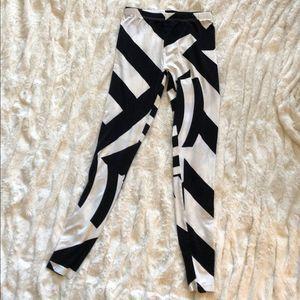 ASOS geometric print leggings 🍀